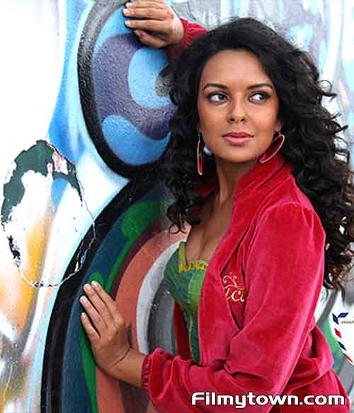 From Sydney with Love -   FilmyTown - Bollywood movies ... From Sydney With Love Actress