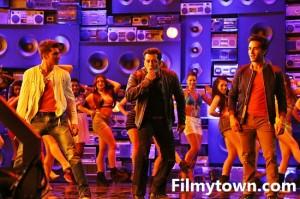 Salman Khan radio set for O Teri